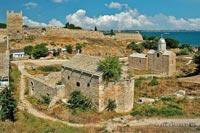 Православные храмы и крепостные стены в древней части г.Феодосии