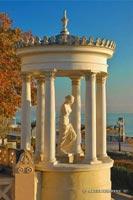 статуя Венеры Милосской на набережной, г. Феодосия